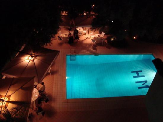 Hotel Marad: A pool