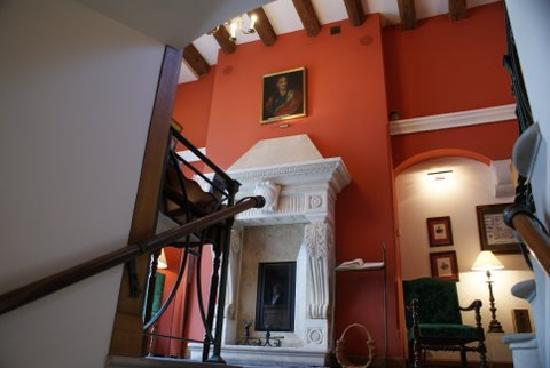 Hotel Grodek : Up the stairs from the bar