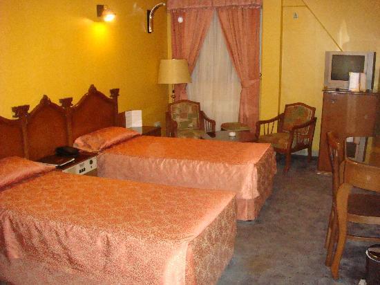 Hotel Persepolis: Bedroom 1