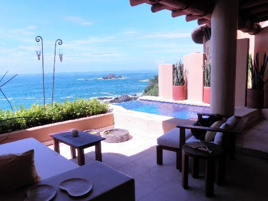 Capella Ixtapa: Our terrace