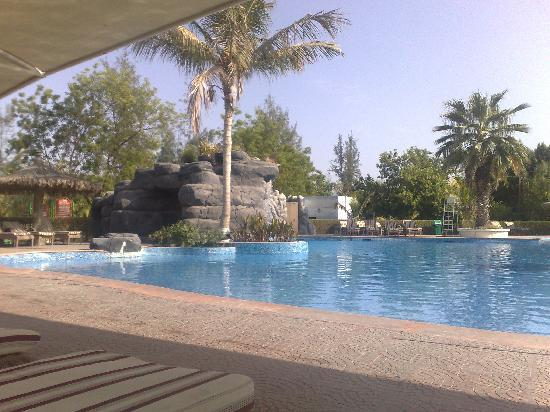 Al Nahda Resort & Spa : The poolside