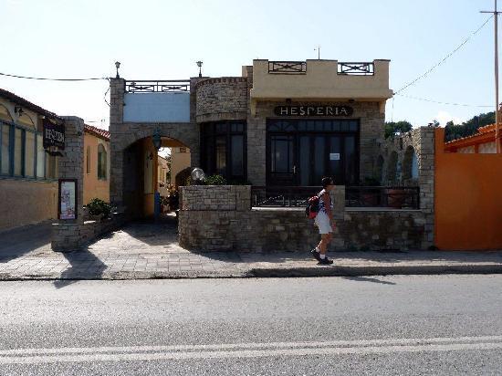 Hesperia Hotel: Voorzijde 1