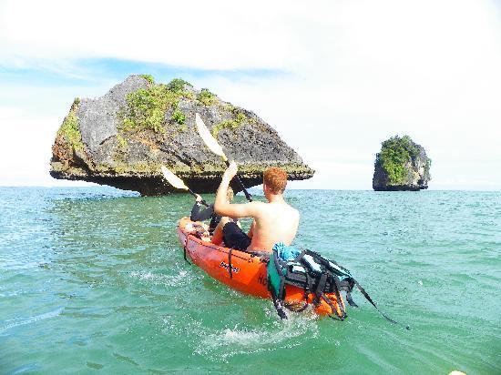 Ao Nang, Tailandia: Kayaking...