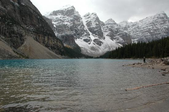 Moraine Lake: View from the bottom of the lake