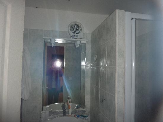 Les Pres Verts: chauffage salle de bains
