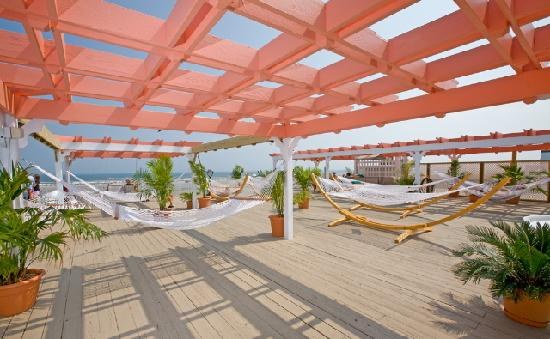 Aqua Beach Resort: Cabana Rooftop Sundeck