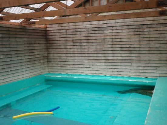 Lolo Hot Springs: the old-looking indoor soaker pool