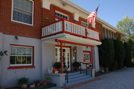 School House Inn Bed & Breakfast: School House Inn