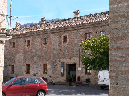 Hervás, España: View of hotel from the front