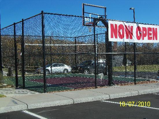 Residence Inn Duluth: Basketball Half-Court