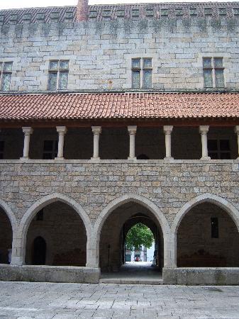 Guimarães, Portugal: Castle in Guimaraes
