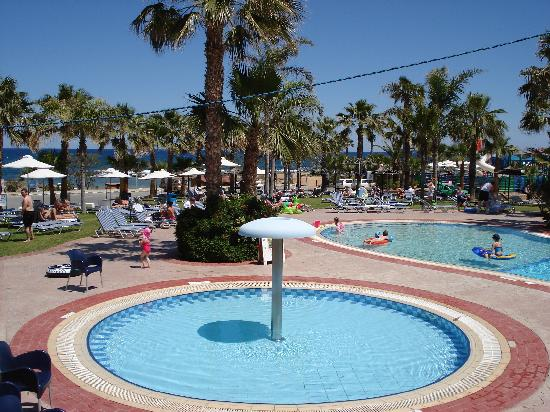Anastasia Beach Hotel : Small pool