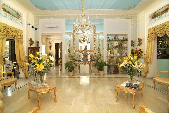 Hotel Art Resort Galleria Umberto: Hall