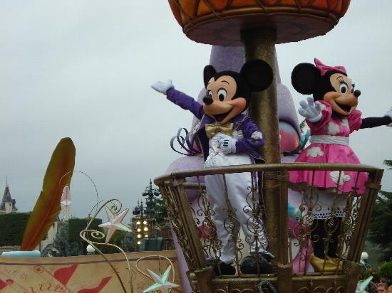 Disneyland Park: Dreams parade