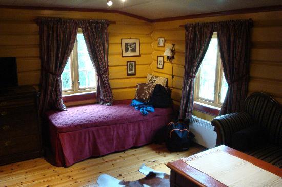 Nordre Ekre Gardshotell: part of the room