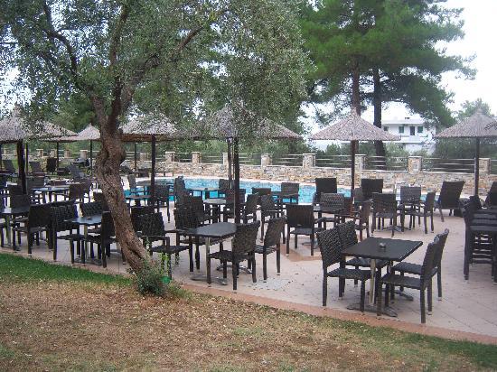 Glikadi, Grecia: 4 seasons pool bar area