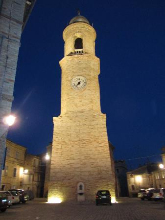 Vicolo Del Sole : the Campanile in Petritoli's Centro Storico
