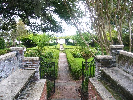 The Cummer Museum of Art and Gardens: Entrance to gardens