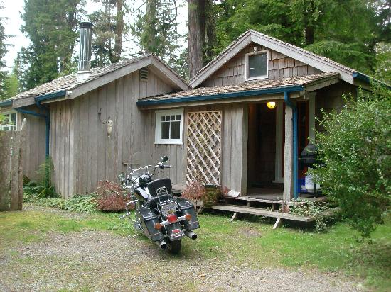 Red Crow Guesthouse: The cottage from the outside