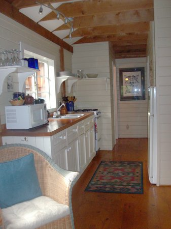 Red Crow Guesthouse : Kitchen area