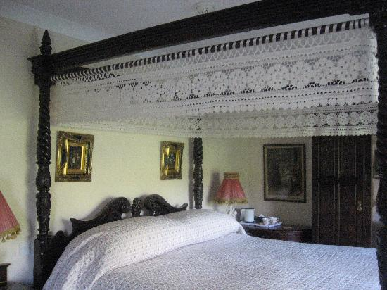 Sallyport House: Our room