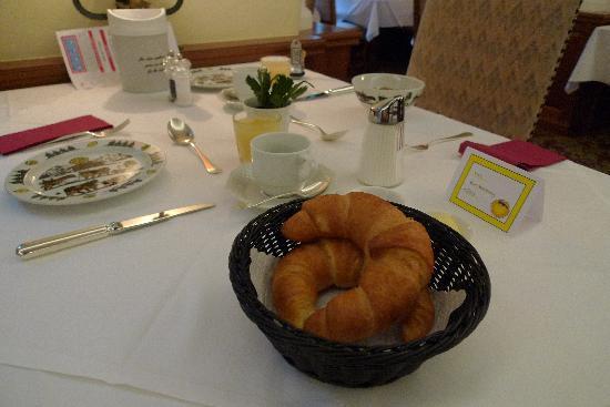 Hotel La Collina: Our table