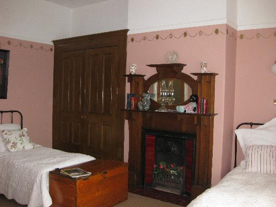 Ashton Gate Guest House: Margaret Twin Room