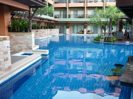 Patong Merlin Hotel Pool Access Rooms