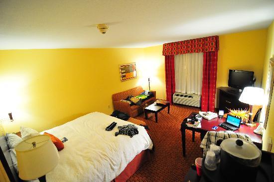 Hampton Inn Galax: good room