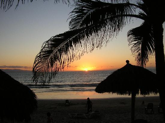 Marival Resort & Suites: another sunseet