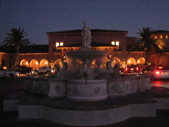Fairmont Grand Del Mar: Entrance to the lobby
