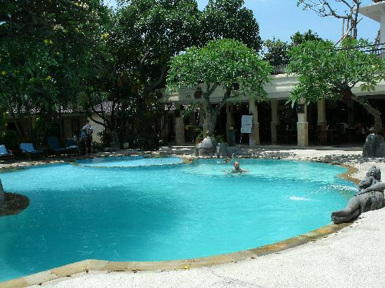 Melka Excelsior Resort Hotel: One of the swimming pools
