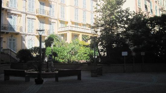 Pierre & Vacances Residence Les Rivages du Parc: Vue depuis la résidence