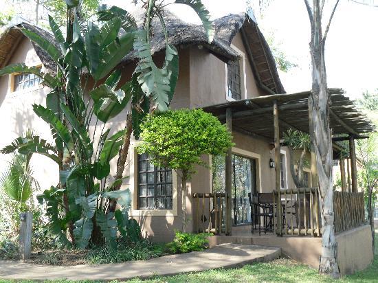 Chobe Marina Lodge: Our cottage