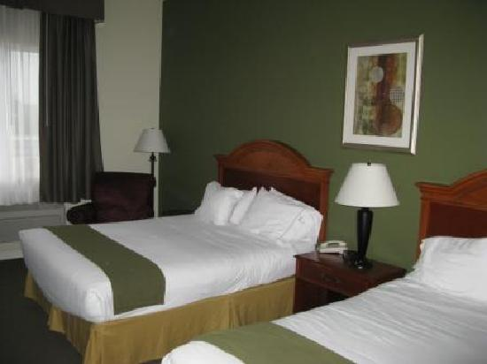 Holiday Inn Express Suites Gananoque : Chambre 2 lits