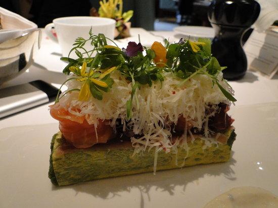 Mandarin Grill + Bar at Mandarin Oriental, Hong Kong: Chef's salad
