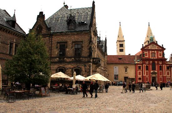 Anna Hotel: Small square within Prague Castle.