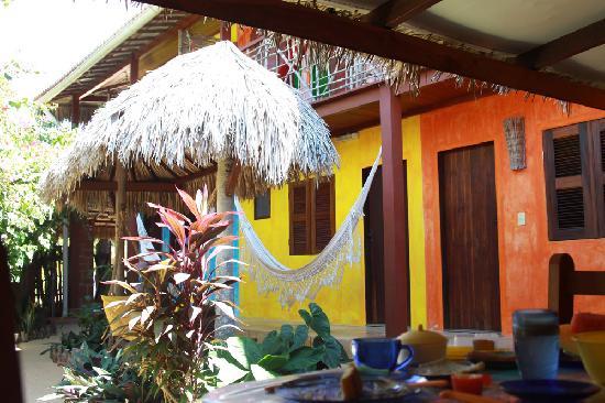 Pousada Ibiscus: the courtyard