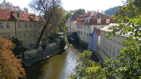 Prague, Czech Republic: vue du Pont Charles. Très représentatif de cette ville magnifique
