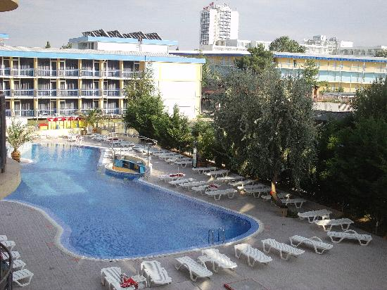 Swimming pool picture of smartline meridian hotel sunny - Sunny beach pools ...