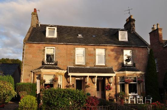 Macrae Guest House : McRae House