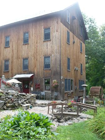 Glenwood Mill Bed & Breakfast: The Inn and Gardens