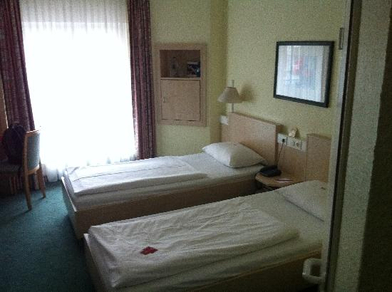 IntercityHotel Hamburg-Altona: Zimmer