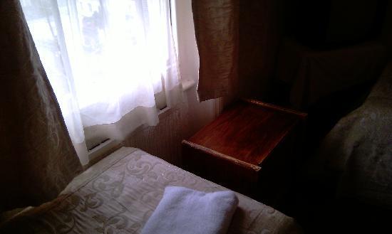 سانت سيميون: Window