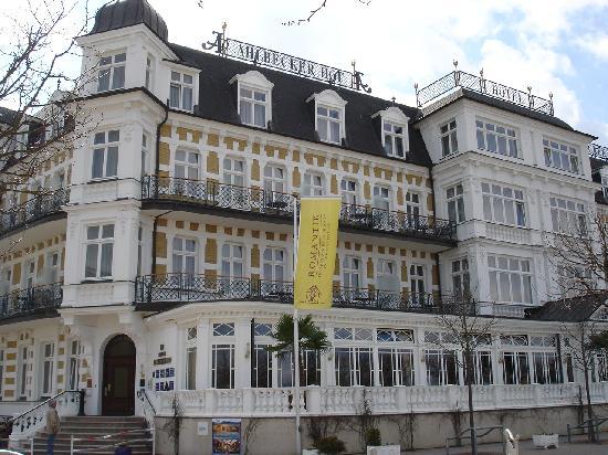 Seebad Ahlbeck, Tyskland: Aussenansicht des Hotels