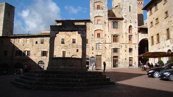 Tuscan Sunshine Tours: San Gimignano