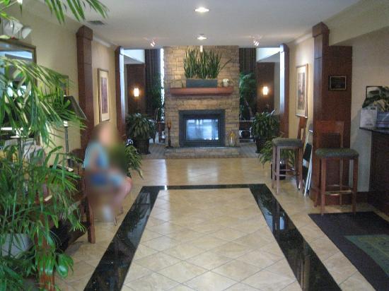 Staybridge Suites Tallahassee I-10 East: Hall