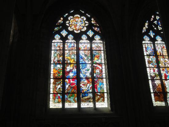 Orléans, France : Vitros de Catedral