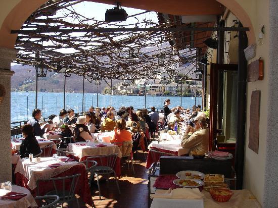 Hotel Leon d'Oro d'Orta: Restaurant auf der Terrasse
