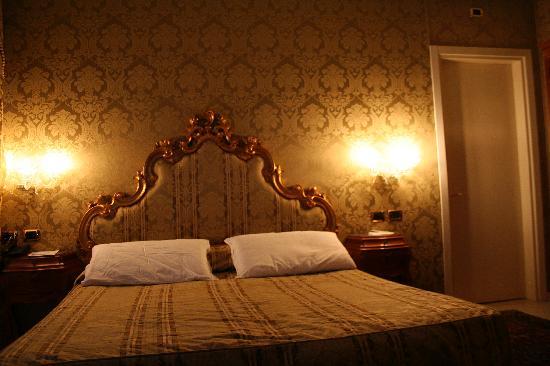 Al Ponte Antico Hotel: Room